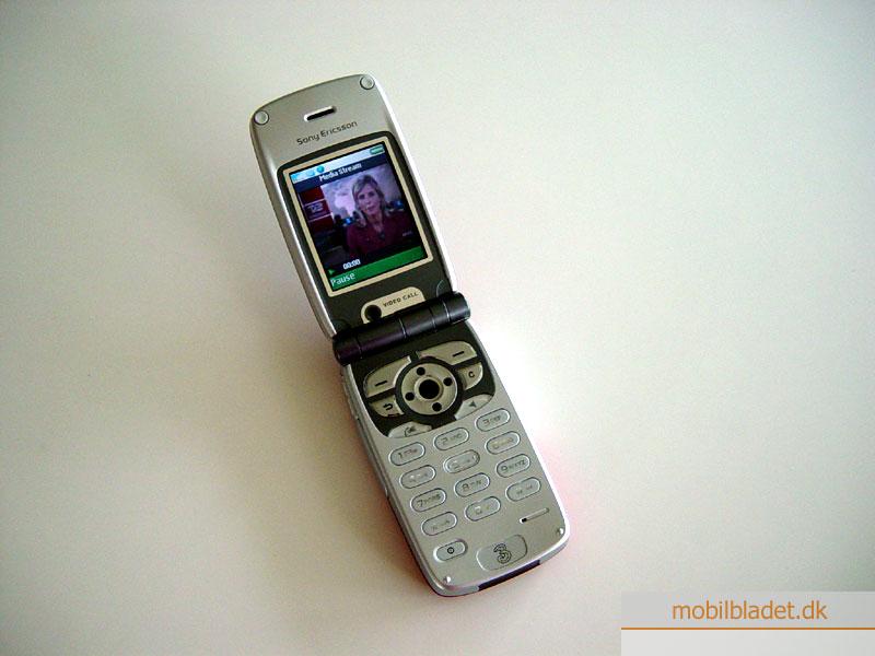 Sony Ericsson Z1010 i butikkerne i denne uge